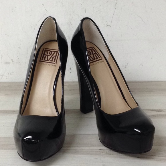 Pour La Victoire Black Patent Leather Pump 6.5